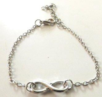 Bracciale in metallo con simbolo infinito  e catenella sottile idea regalo