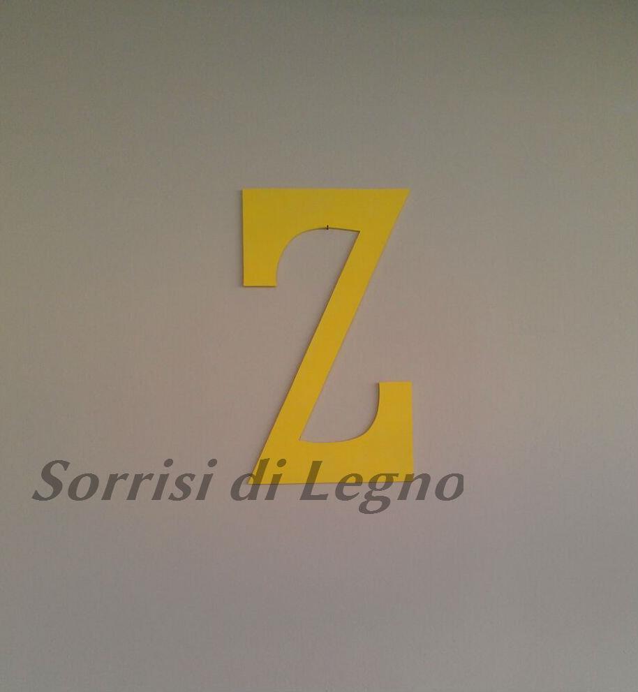 Lettera Z realizzata in legno