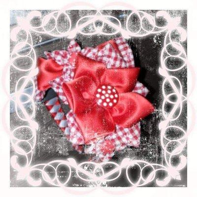 Cerchietto con fiori rossi e bianchi