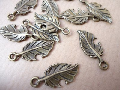 5pz ciondoli FOGLIA - bronzo cm 2,2