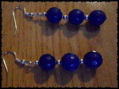 Orecchini con chiodino di perle blu