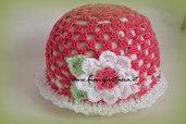 cappellino uncinetto fiore