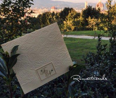 Partecipazione di Matrimonio in rilievo e iniziali sposi Modello Firenze by Romanticards