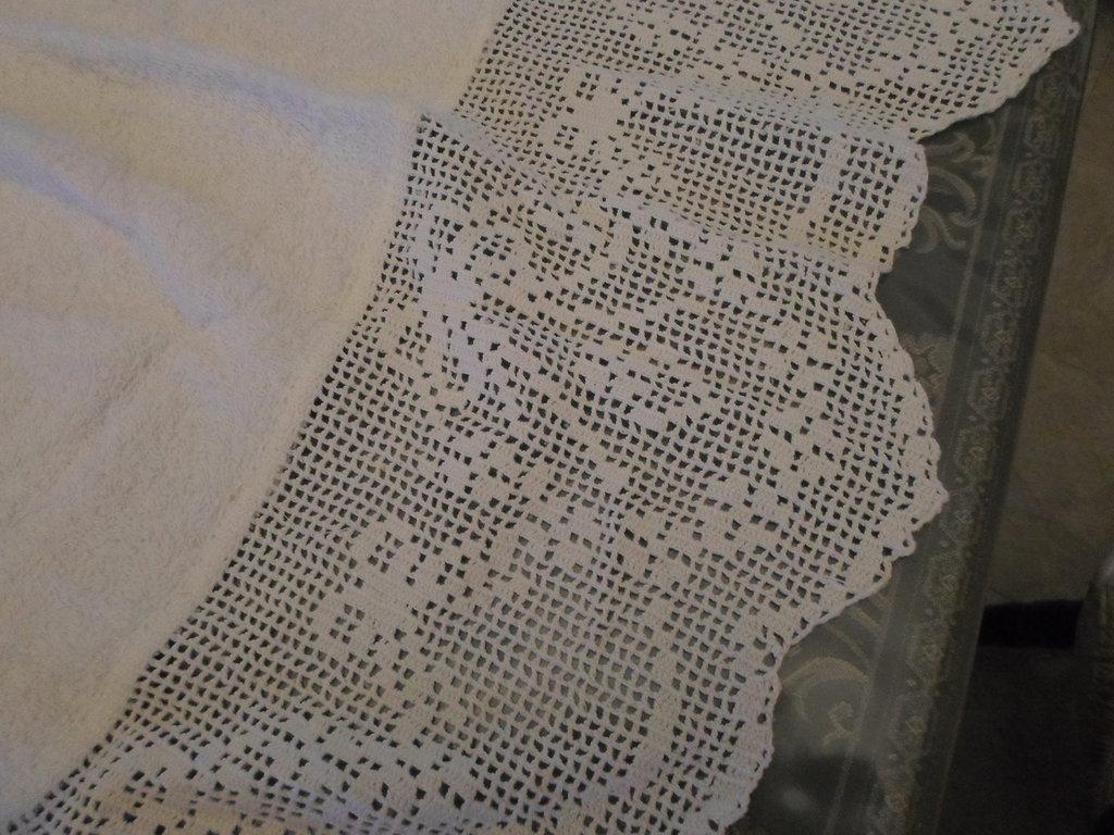 2 asciugamani spugna con pizzo uncinetto
