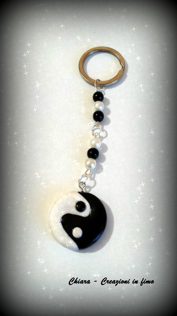 Portachiavi in fimo handmade Yin Yang nero bianco portafortuna idea regalo