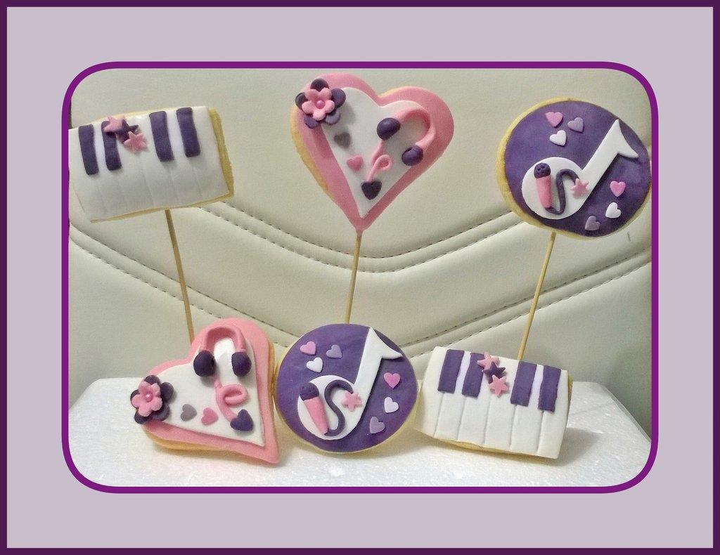 """Biscotti decorati festa """"Violetta"""""""
