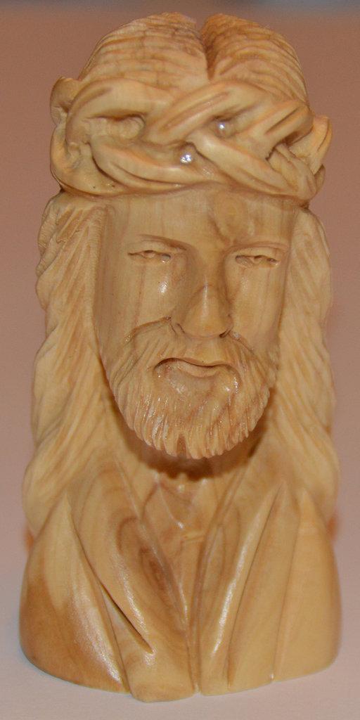 Mezzo busto Gesù in legno d'ulivo
