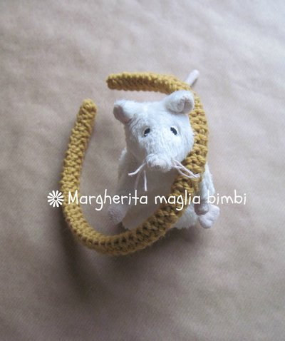 Cerchiello rivestito in pura lana e alpaca color ocra lavorata ai ferri