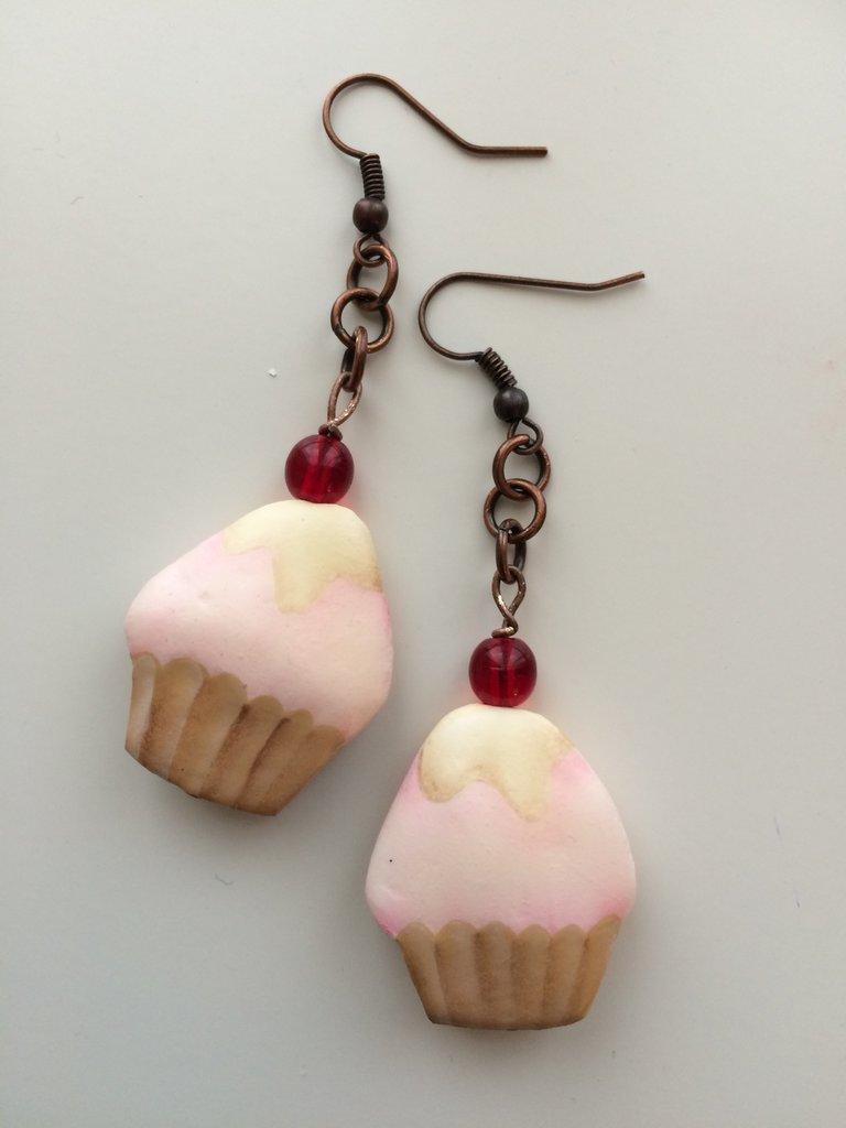 Orecchini Cupcake fragola e crema con ciliegina in vetro