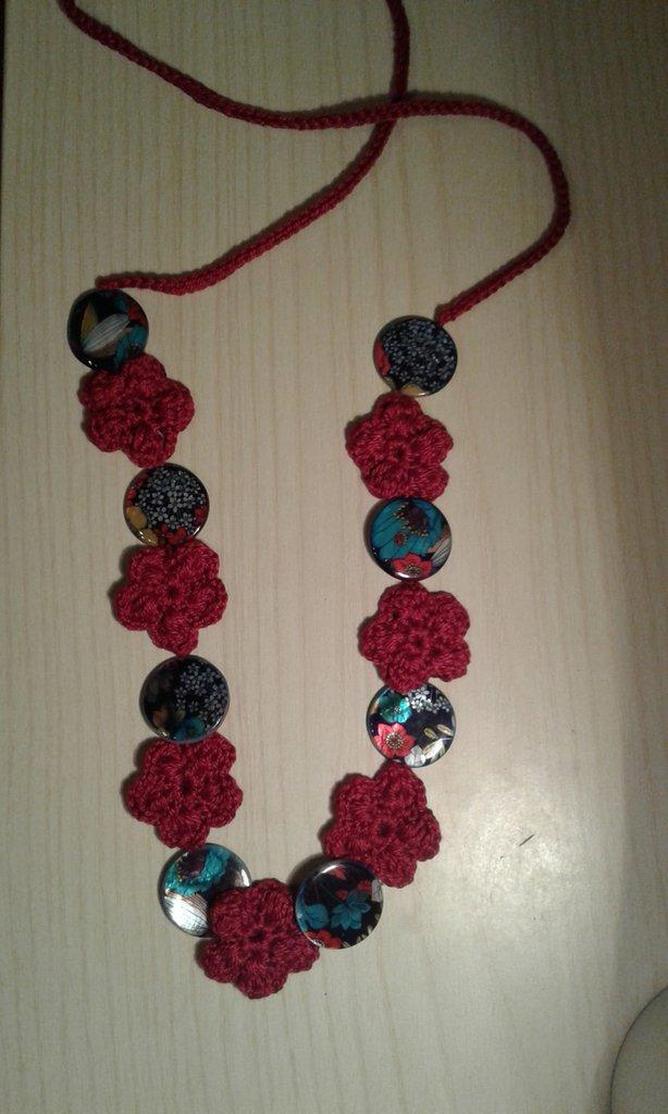 collana rossa con dischi madreperla