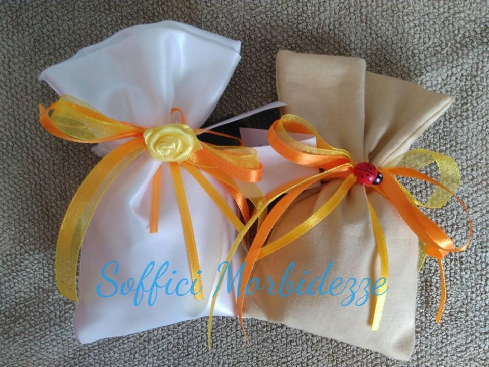 Sacchetto bomboniera in tessuto fatte a mano