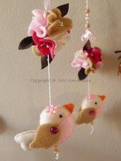 Giostra per lettino neonato con uccellini e perline trasparenti