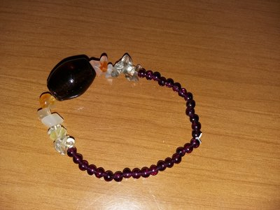 bracciale con perline  color marrone