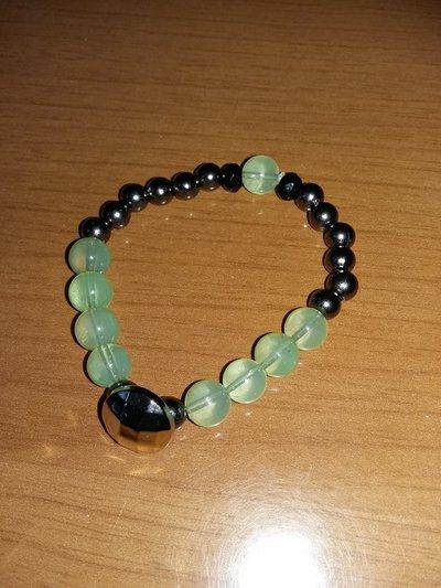 bracciale con perline verdi e argento