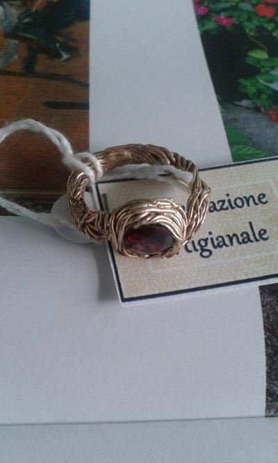 anello lavorazione artigianale con granato