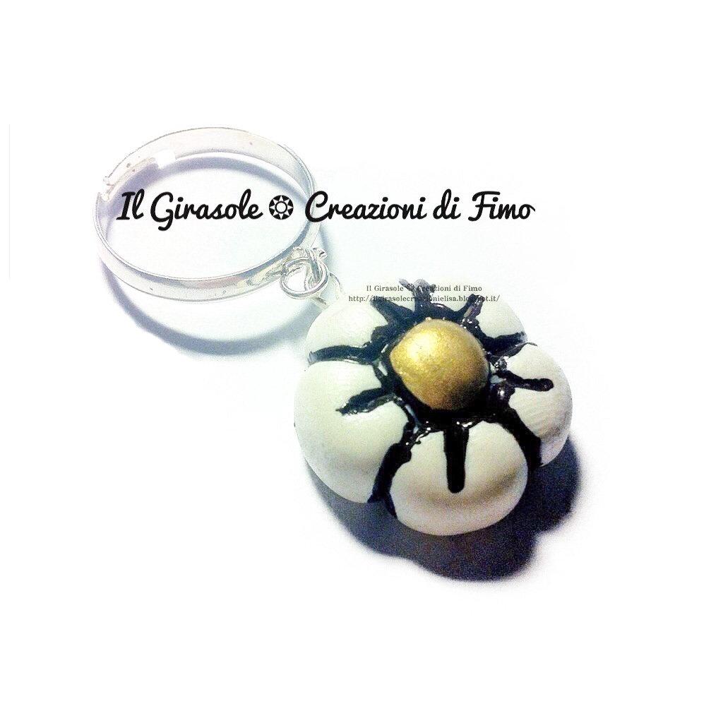 Anello regolabile pendente con fiore dipinto a mano