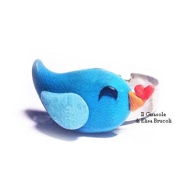 Anello uccellino azzurro e cuore rosso in fimo regolabile