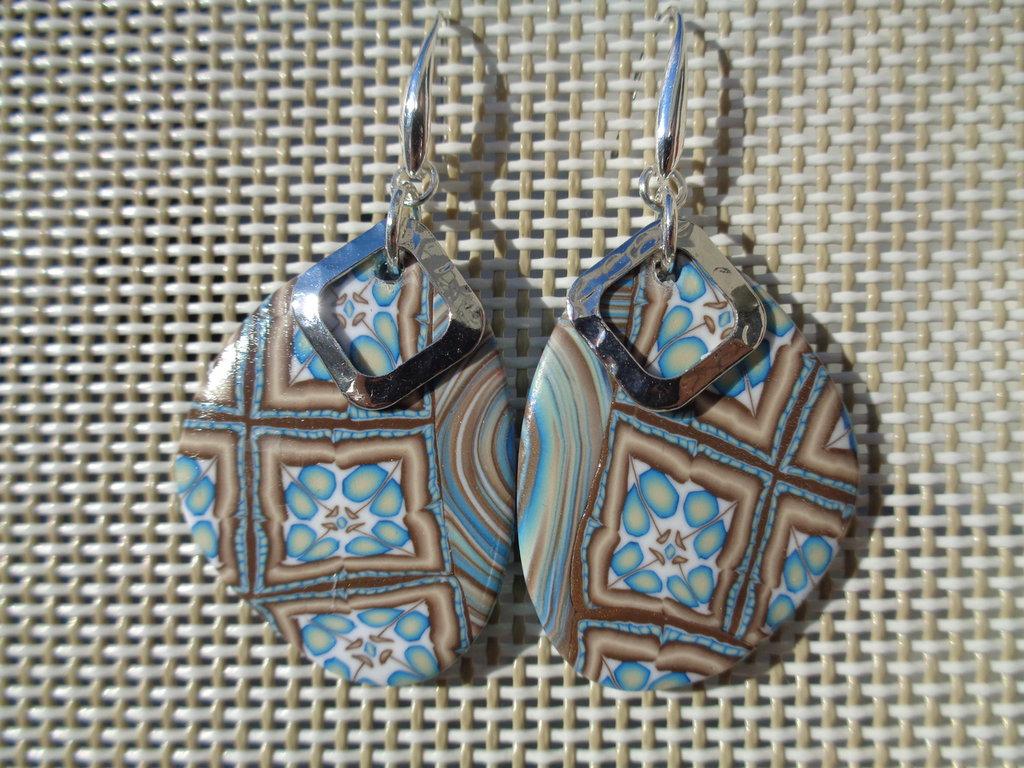 Orecchini pendenti in pasta polimerica azzurro-marroni