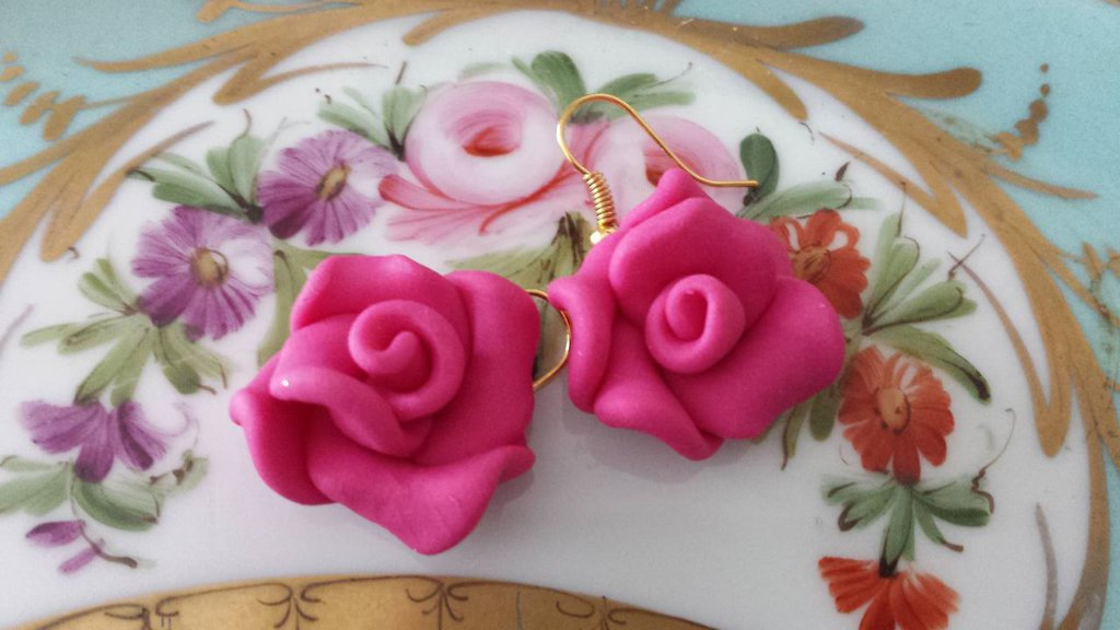 Orecchini rose fimo