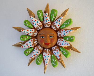 Sole da appendere a parete in terracotta dipinto a mano / Bomboniera (21)