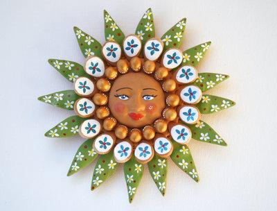 Sole da appendere a parete in terracotta dipinto a mano / Bomboniera (25)