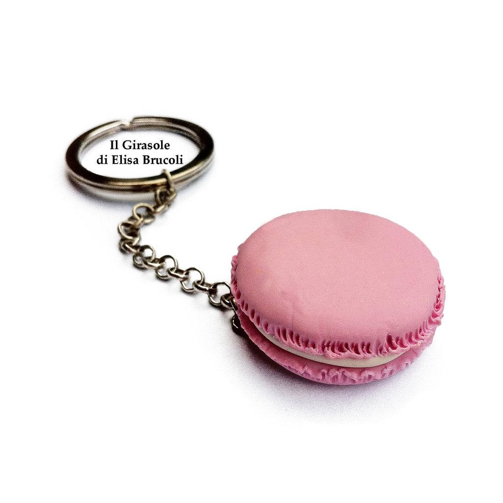 Portachiavi con Macaron in fimo rosa pastello