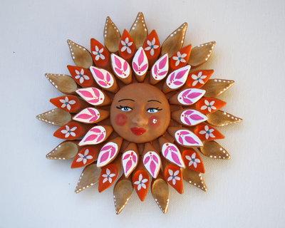Sole da appendere a parete in terracotta dipinto a mano / Bomboniera (33)