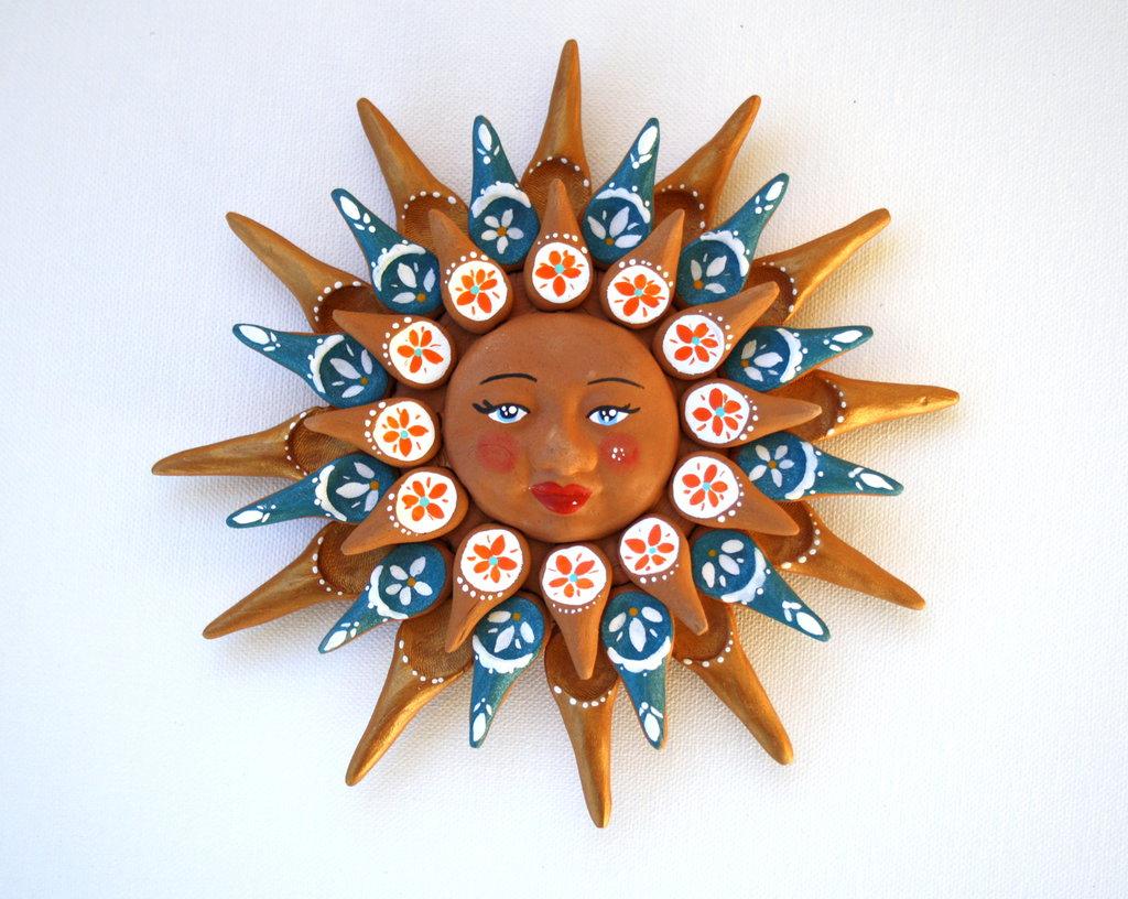Sole da appendere a parete in terracotta dipinto a mano / Bomboniera (36)