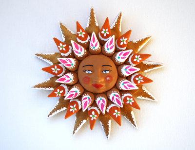Sole da appendere a parete in terracotta dipinto a mano / Bomboniera (37)