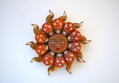 Sole da appendere a parete in terracotta dipinto a mano / Bomboniera (41)