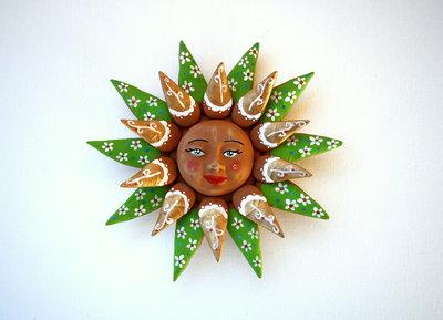 Sole da appendere a parete in terracotta dipinto a mano / Bomboniera (43)