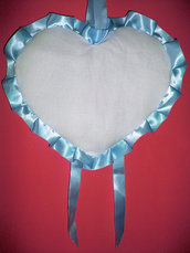 Fiocco nascita coccarda fuori porta cuore azzurro bimbo da ricamare puntocroce aida