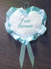 Fiocco nascita ricamato fuori porta coccarda cuore azzurro ricamato personalizzato