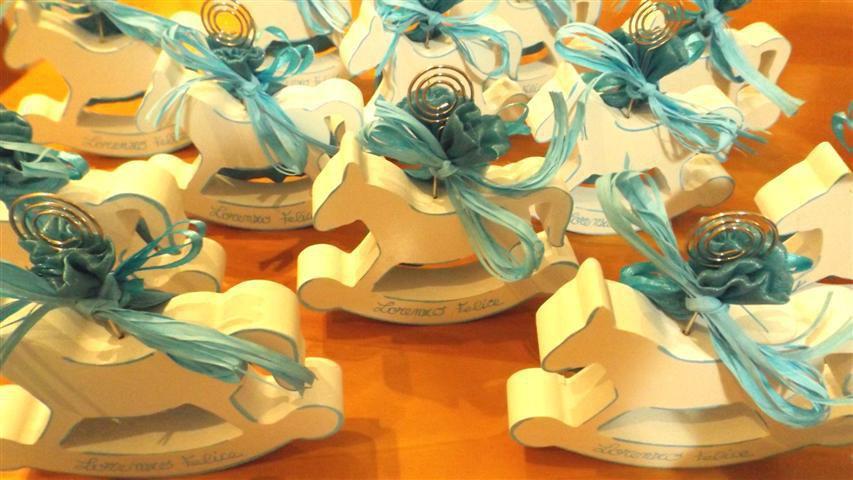BOMBONIERA BATTESIMO NASCITA - compleanno - CAVALLO A DONDOLO in legno con sacchettino confetti  - PORTAFOTO con PERSONALIZZAZIONE - no fimo