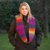 Sciarpa circolare infinity lana arcobaleno ai ferri