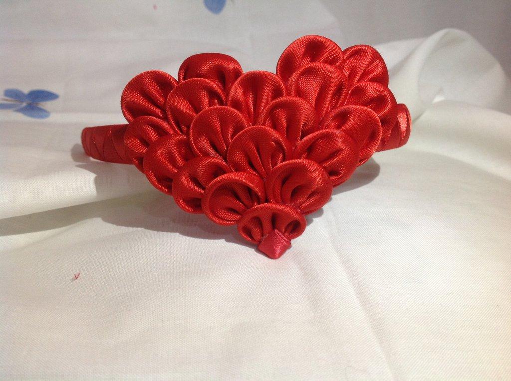 Cerchietto con cuore rosso kanzashi San Valentino