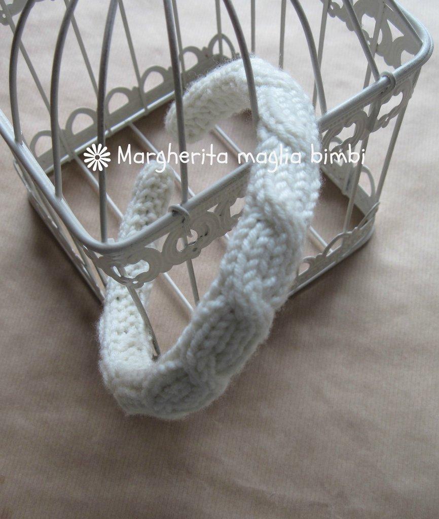 Cerchiello rivestito in pura lana merino color panna lavorato ai ferri