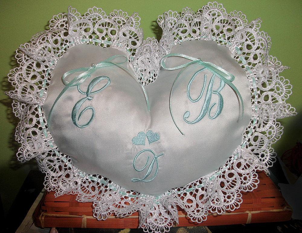 Cuscino fedi cuscinetto portafedi a cuore in pizzo ricamo personalizzato iniziali sposi e figlio o figlia