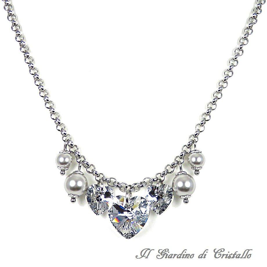 Collana in acciaio con motivo cuori Swarovski argento e perle grigie fatta a mano - Fresia