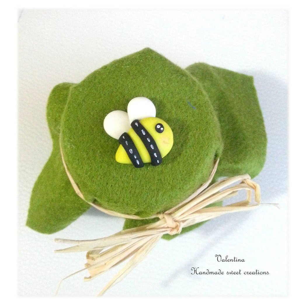 Decorazione applicazione ape bomboniera