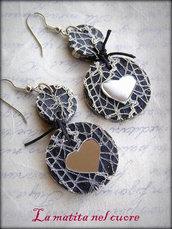 Orecchini rock legno dipinto pizzo argento cuore a specchio e cordino nero