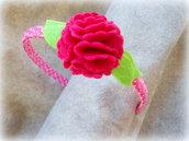 Cerchietto fucsia con fiore centrale fatto a mano