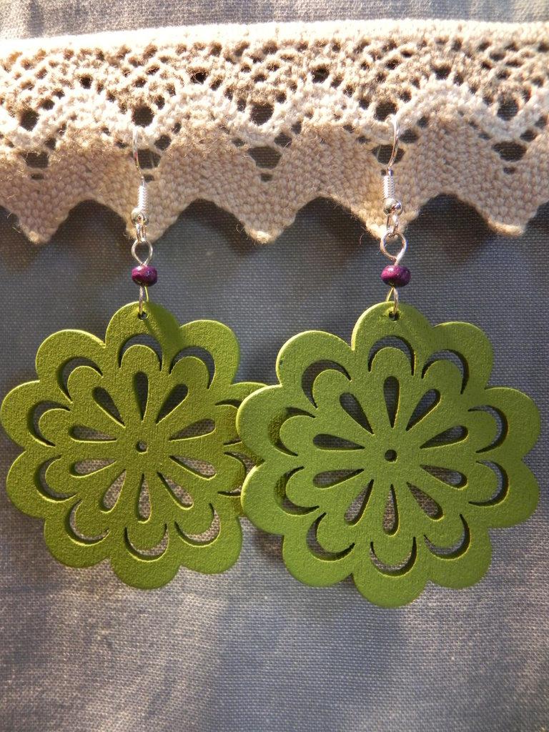 Orecchini fiore verde