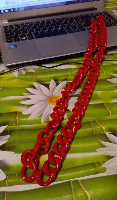 catena modello resina rosso