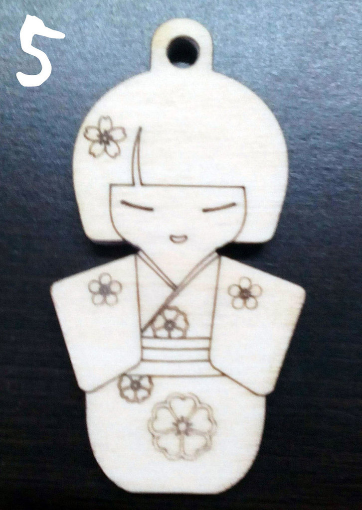 Kokeshi portachiavi in legno