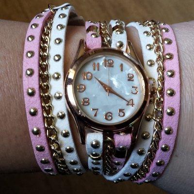 Bracciale cordino bianco e rosa, catena dorata e orologio con quadrante madreperla