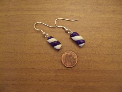 Orecchini torciglione viola glitterato-bianco