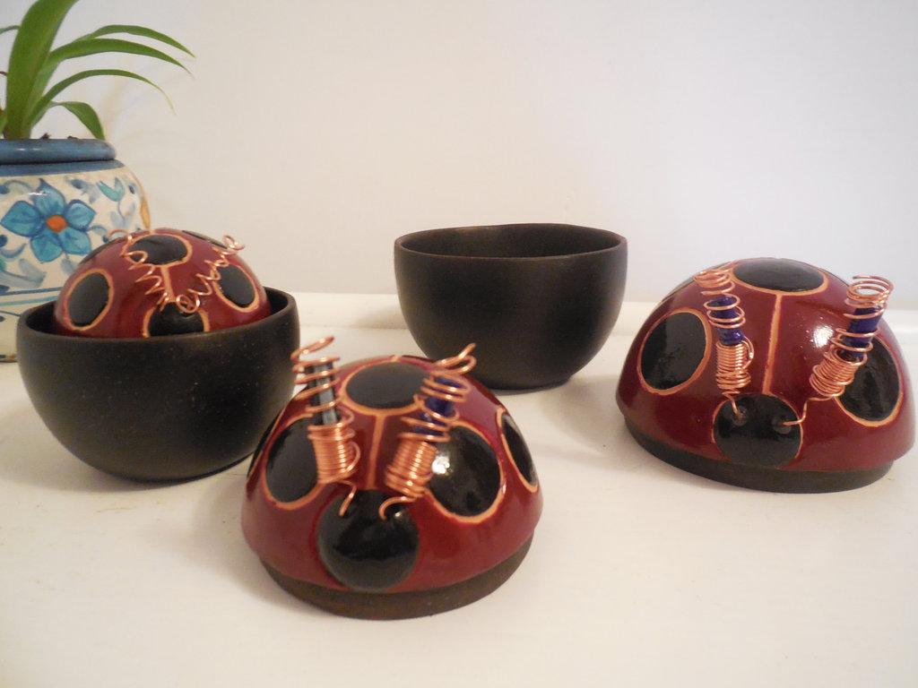 Matrioska di 3 coccinelle, portagioie,  in ceramica