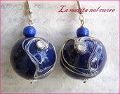Orecchini S.Valentino in Blu - Legno dipinto cuore in filo metallico e strass
