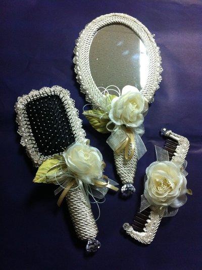 Set pettine specchio e spazzola rivestite di cordoncino